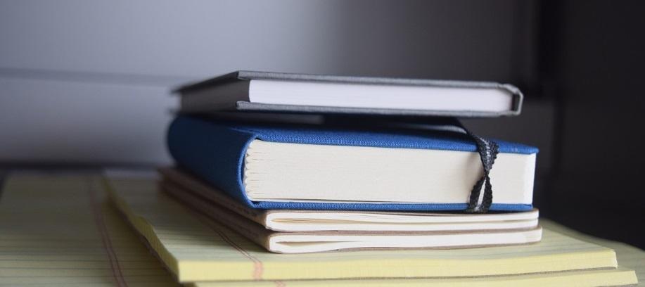 books-close-up-composition-265118_v2.jpg